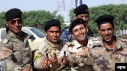 جنود عراقيون أدلوا بأصواتهم في النجف - 28 نيسان 2014