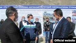 Глава Ферганской области Хайрулло Бозоров на встрече с жителями Сохского района. Октябрь 2020 года.