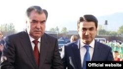 Президент Таджикистана Эмомали Рахмон (слева) со своим старшим сыном Рустамом Эмомали.