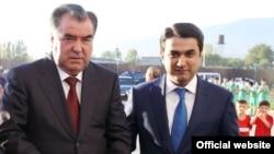 Эмомалӣ Раҳмон бо писараш Рустами Эмомалӣ