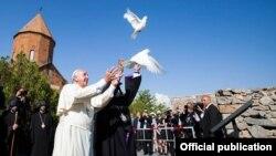 2016-ի հոգևոր-մշակութային ամենախոշոր իրադարձությունը Հռոմի Պապի այցն էր Հայաստան