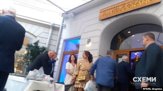 Зрештою журналісти виявили ресторан, де святкували день народження олігарха