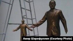 Islam Karimov-a heykəllərin layihələri