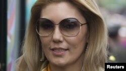 Қазақстан президенті Нұрсұлтан Назарбаевтың кіші қызы Әлия. Алматы, 1 мамыр 2012 жыл.