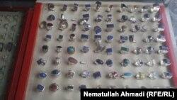انگشتر های دست ساخت توسط زرگران در ولایت بدخشان