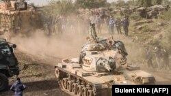 نیروهای ارتش آزاد سوریه در نزدیکی مرز سوریه و ترکیه.