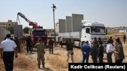 ترکیه در صدد ایجاد دیواری مرزی در نزدیکی کوبانی، و حضورش در این منطقه نارضایتیهایی را به دنبال داشته است.