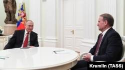 Зустріч російського президента Володимира Путіна з українським політиком Віктором Медведчуком (праворуч). Москва, Кремль, 10 березня 2020 року
