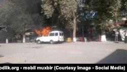 Все пассажиры внутри маршрутки «Газель» пострадали в результате взрыва. Фото предоставлено мобильным репортером «Озодлик».