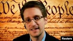 Павел Дуров америкалык тыңчы Эдвард Сноуденге иш сунуштаган.