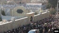 Проститься с Бадри Патаркацишвили в последние два дня пришли тысячи людей