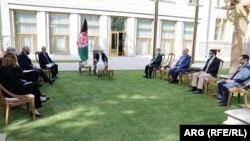 د افغان چارواکو او خلیلزاد لیدنه