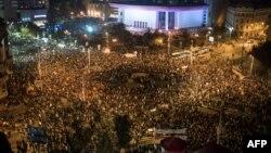Түнгі клубтағы өрт оқиғасы Румынияда үкіметке қарсы наразылыққа ұласты. Бухарест, 4 қараша 2015 жыл. (Көрнекі сурет.)