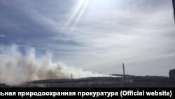 """Пожар на мусорном полигоне компании """"Сибэкотранс"""" в Бурятии"""