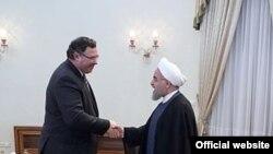 حسن روحانی روز دوشنبه با پاتریک پویانه، مدیر عامل شرکت توتال فرانسه دیدار کرد.