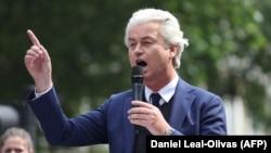 Geert Wilders felszólal Tommy Robinson brit szélsőjobboldali aktivista támogatóinak találkozóján London központjában, 2018. június 9-én.