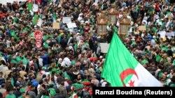 Protesti u Alžiru (arhivska fotografija)