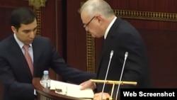 Artur Rasizadə parlamentdə hesabat verir. 16mart2018