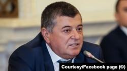 Supărat pe liberali, Emanoil Savin va trece la Pro România