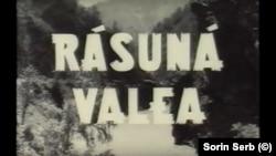 """""""Răsună valea""""(1950), unul dintre primele filme de propagandă comunistă. Printre actori se remarcă Radu Beligan, reprezentantul caricatural al clasei burghezo-intelectuale decadente."""