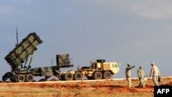 Амэрыканскі зэнітны ракетны комплекс Patriot у Турцыі 5 лютага 2013 году