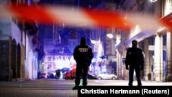Поліцейські оточили район, де може переховуватися підозрюваний у стрілянині, Страсбург, Франція, 12 грудня 2018 року