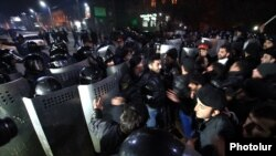 Armenia - Protesters clash with riot police near the Russian consulate in Gyumri, 15Jan2015.