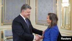 Помощник госсекретаря США Виктория Нуланд на этой неделе посетит Украину