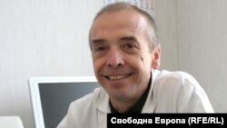 Доц. Атанас Мангъров
