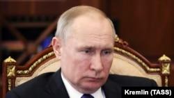 Путин фавқулодда вазият режимини эълон қилмади.