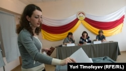 Pamje nga votimet në rajonin separatist të Gjeorgjisë, Osetia Jugore