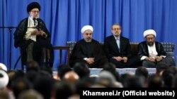 سران سه قوه جمهوری اسلامی در حضور ولی فقیه (عکس از آرشیو)