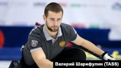 Російський керлінгіст Олександр Крушельницький