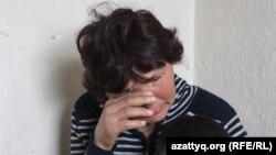 Тамара Сейсенова рассказывает о себе, не сдерживая слез. Шымкент, 30 марта 2017 года.