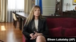 Еміне Джеппар