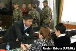 Талғат Ермегияев сот отырысында отыр. Астана, 4 сәуір 2016 жыл.