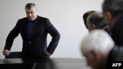 Политическая дубинка, апробированная бывшим югоосетинским президентом Эдуардом Кокойты, теперь может ударить по нему самому