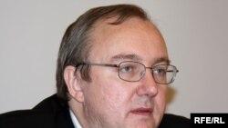 Виталий Пономарев, директор Центральноазиатской программы московского правозащитного общества «Мемориал». Алматы, 15 декабря 2009 года.