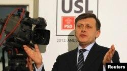 Crin Antonescu, președintele PNL.