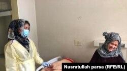 آرشیف، خانمی که به ویروس کرونا مبتلا شده بود در یکی از شفاخانه های کابل