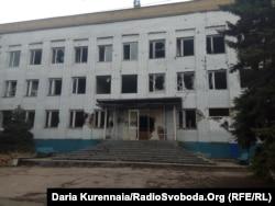 Будівля після обстрілів