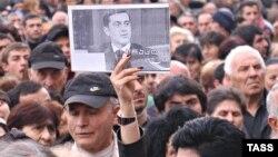 Освобождения Окруашвили с нетерпением ждут его сторонники
