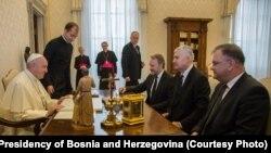 Papa Franjo i članovi Predsjedništva BiH Bakir Izetbegović, Dragan Čović i Mladen Ivanić, Vatikan