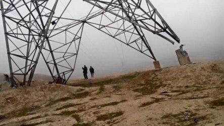 Тажикстан менен чектеш Баглан провинциясында талиптер бүлгүнгө учураткан электр өткөргүч линиясы. Ооганстан