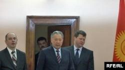 Курманбек Бакиев Минскидеги маалымат жыйынында, 2010-жылдын 21-апрели.