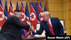 Lideri verikorean, Kim Jong Un dhe presidenti amerikan, Donald Trump.