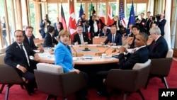 G7 елдері басшылары саммит кезінде. Германия, Гармиш-Партенкирхен, 7 маусым 2015 жыл.
