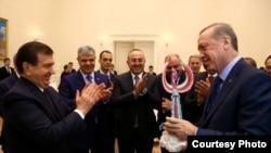 Шавкат Мирзияев во время встречи с Реджепом Тайипом Эрдоганом в Самарканде; фото: tccb.gov.tr.