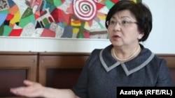 Роза Отунбаева, Қырғызстанның экс-президенті.