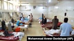 Раненые после нападения в Джалалабаде